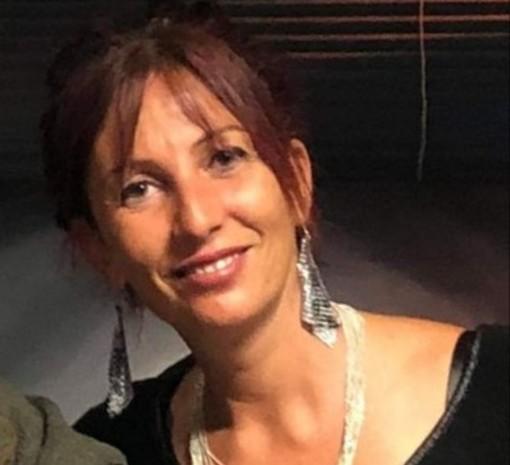 Femminicidio al karaoke: a Biestro il funerale di Deborah Ballesio