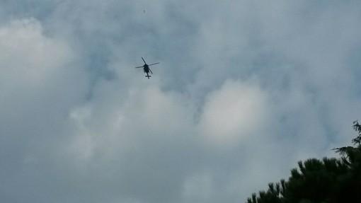 Cade dagli spalti dello stadio di Osiglia e lo portano via in elicottero