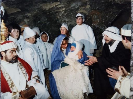 La Natività del Presepe Vivente del 1985, che si svolse nella Grotta dei Castagni