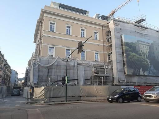 Savona, senso unico alternato in corso Mazzini per i lavori dell'ex ospedale San Paolo