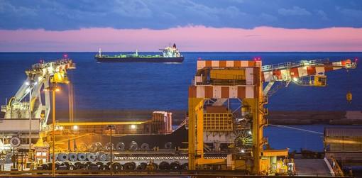 """Ex Ilva, i sindacati proclamano 24 ore di sciopero: """"ArcelorMittal ha proposto condizioni provocatorie"""""""