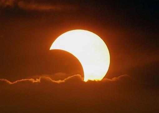 A Tovo San Giacomo un incontro aspettando l'eclissi solare