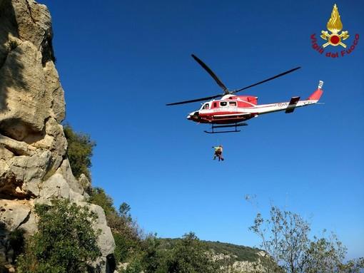 Borgio Verezzi, rocciatore cade durante un'arrampicata: intervento dell'elicottero (FOTO e VIDEO)