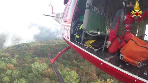 Villanova d'Albenga, motociclista cade da un sentiero: intervento dell'elisoccorso
