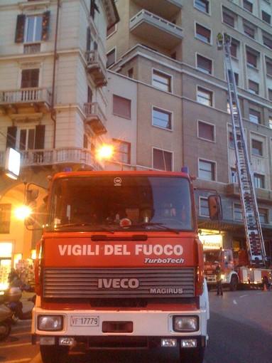 Savona: piovono calcinacci anche davanti alla Torretta