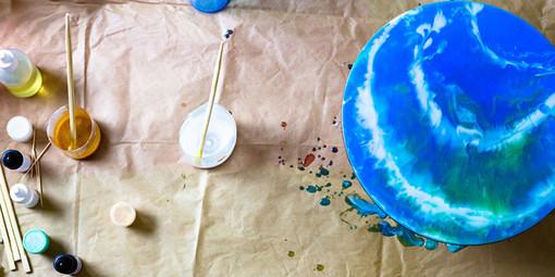 Le tecniche di pittura fluida acrilica più usate dagli artisti