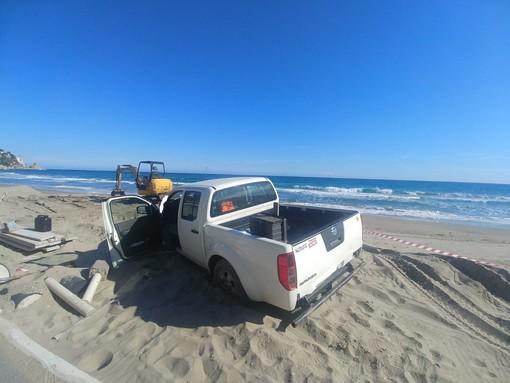 Alassio, in spiaggia con il fuoristrada, maxi-multa ad un uomo di Albenga