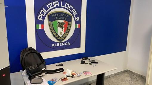 """Albenga, """"Bonnie e Clyde"""" piemontesi """"pizzicati"""" in flagranza di reato dalla polizia locale"""