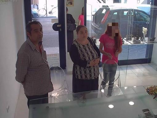 Alassio: gioielleria denuncia i ladri via Facebook, trovati i responsabili