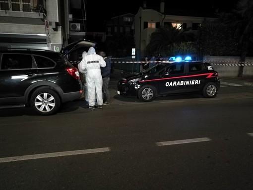 Tentato omicidio in un box a Loano: 23enne gambizzato con colpo di pistola (FOTO e VIDEO)