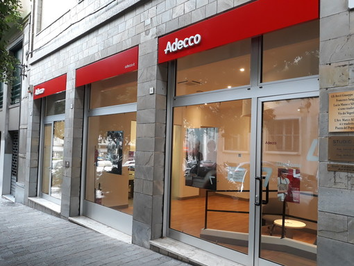 Savona, la storica filiale Adecco si rinnova: nuova sede in corso Italia