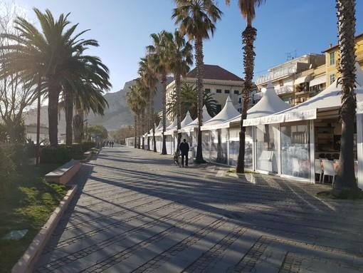 I viali a mare della nostra Riviera di Ponente svuotati nell'ultimo mese