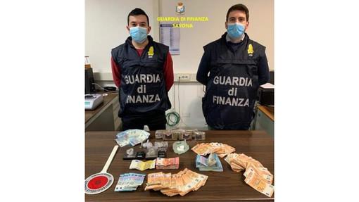 Savona, 30enne arrestato dalla Guardia di Finanza per spaccio di droga