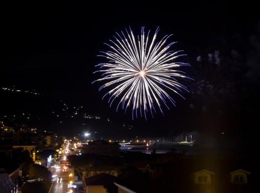 Quadruplo spettacolo di fuochi d'artificio ad Andora