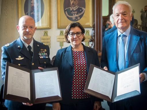 Ministero della Difesa e Piaggio Aerospace siglano due contratti per 167 milioni di euro