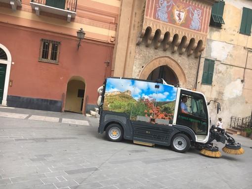 Finale Ligure: nuove spazzatrici in azione