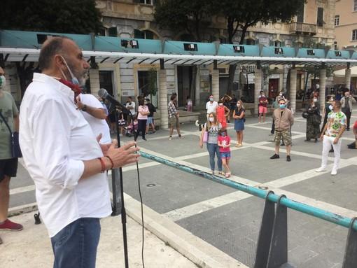 Savona, discoteche e sale da ballo scendono in piazza per far sentire la loro voce