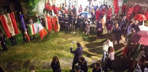 Stella, vento e pioggia cancellano la fiaccolata ma non il corteo in ricordo del Presidente della Repubblica Sandro Pertini (FOTO)