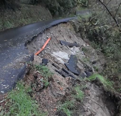 Rialto, cedimento della carreggiata in via Berea: strada chiusa (FOTO)