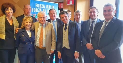 La squadra regionale dei coordinatori presentata oggi (foto tratta dal profilo dell'onorevole Cassinelli)