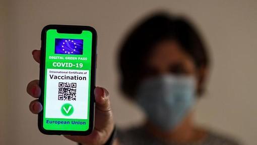Green pass falsi a 100 euro, su Telegram la truffa della carta verde per chi non si vuole vaccinare