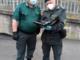 Le guardie zoofile di Fare-Ambiente consegnano colombe pasquali a vigili urbani, case di riposo e carabinieri