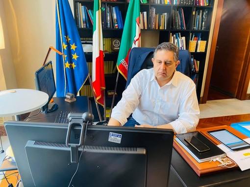 """Conferenza delle regioni, attesa per l'elezione del nuovo presidente, Toti: """"Un sentito ringraziamento a Bonaccini"""""""