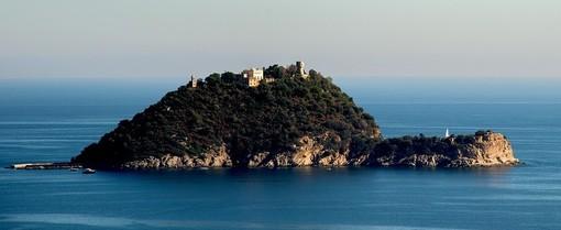 Vendita isola Gallinara, sindaco di Albenga Tomatis chiede incontro con il Soprintendente