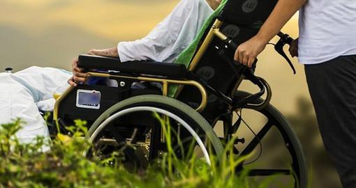 """L'associazione """"Prendiamoci per mano"""" di Albenga ricorda la Giornata Mondiale del Parkinson"""