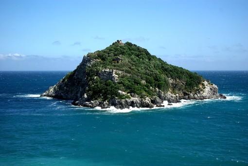 """L'isola di Bergeggi protagonista della """"Swim the Island"""""""