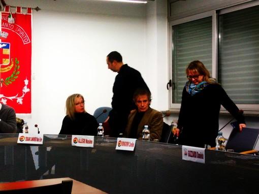 Nella foto: l'ingresso di Carolina Bongiorni in consiglio comunale