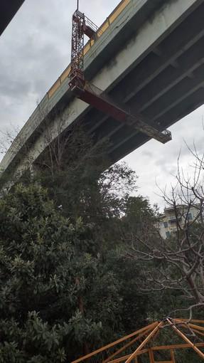 Celle, caduta calcinacci dal viadotto Costa: intervento di Autostrade