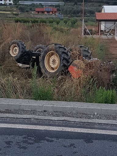Incidente mortale ad Ortovero: camion contro trattore (FOTO e VIDEO)