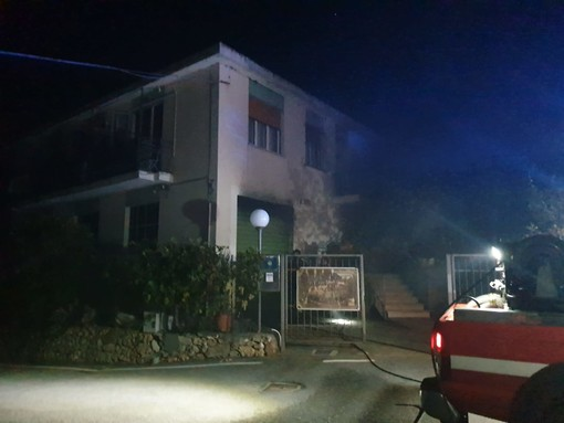 """Incendio all'agriturismo """"Barilaro"""" di Verzi di Finale"""