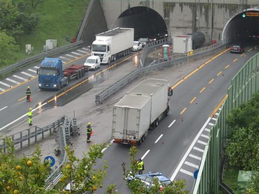 Riaperta la A10 tra Savona e Albisola: traffico su una corsia verso Genova