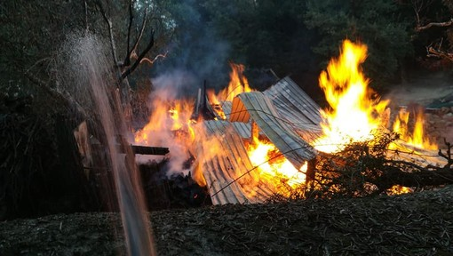 """Foto tratte dalla pagina Facebook """"Antincendio Boschivo - Protezione Civile Finale Ligure"""""""