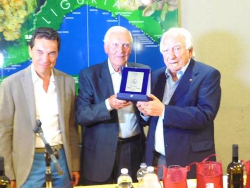 Sagralea premia il presidente della Croce Bianca di Albenga Dino Ardoino