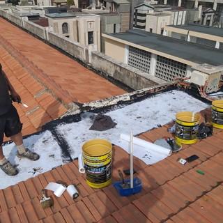 Albenga, interventi di impermeabilizzazione nei cimiteri di Leca e San Giorgio: lavori in corso (FOTO)