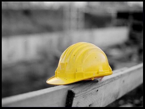 Colpito da uno stampo: grave un lavoratore dei cantieri Sciallino di Ceriale
