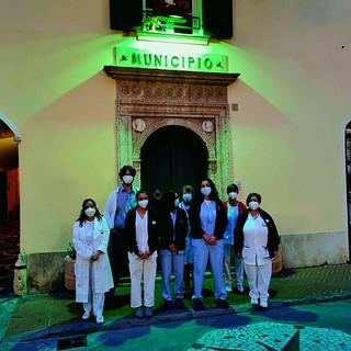 """""""Giornata internazionale dell'infermiere"""", l'omaggio del comune di Pietra Ligure: l'ingresso di Palazzo Golli illuminato di verde (FOTO)"""