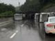 Bisarca carica di vetture si ribalta sulla A6: autostrada riaperta tra Ceva e Millesimo
