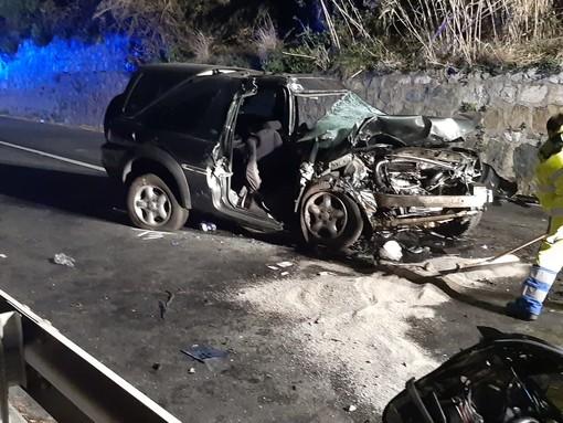 Celle, terribile impatto di un'auto sull'Aurelia: tre feriti gravi in codice rosso (FOTO e VIDEO)