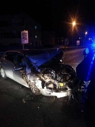 Incidente nella notte sulla via Aurelia tra Albenga e Ceriale (FOTO)