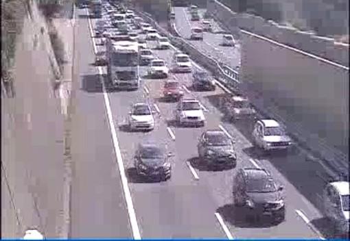 Incidente a Cogoleto in autostrada, coda in direzione Savona