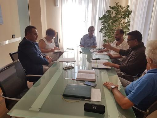 Albenga: prosegue il cammino per la realizzazione di un soggetto municipalizzato per le manutenzioni cittadine e per offrire una possibilità di lavoro ai cittadini in difficoltà