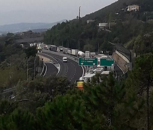 Maxi tamponamento sulla A10 tra Varazze e Celle: traffico in tilt