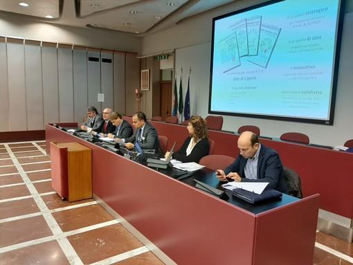 Albenga-Carcare-Predosa, raddoppio ferroviario, Aurelia Bis e Piattaforma Maersk: il savonese del domani grazie al piano territoriale regionale