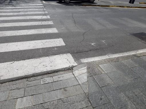 Savona, auto travolge ciclista: un uomo in codice giallo al San Paolo