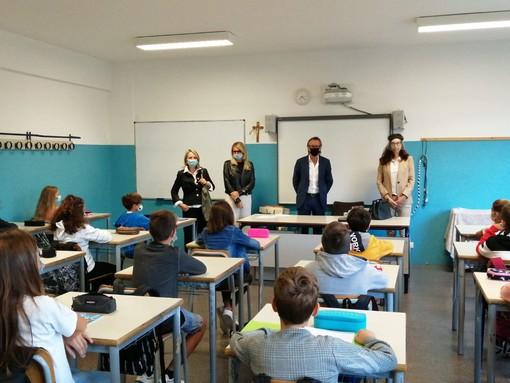 """Albenga, al via l'anno scolastico. Il sindaco Tomatis: """"Abbiamo guadagnato dieci giorni di lavoro per mettere in sicurezza le aule"""""""