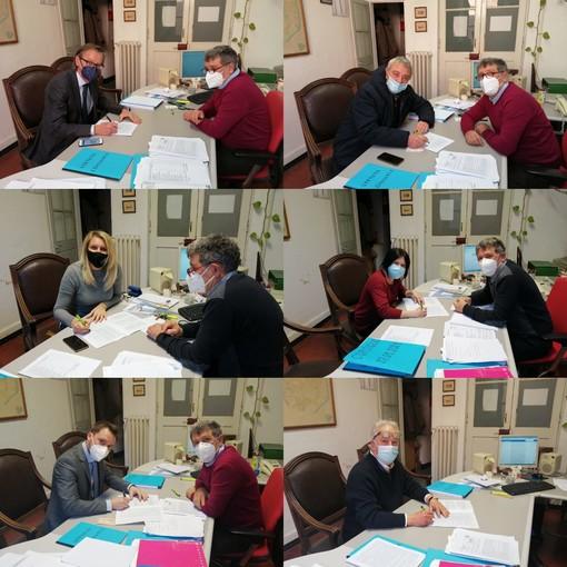La maggioranza di Albenga firma contro la propaganda fascista e nazista. Anche nella Città delle Torri è possibile farlo